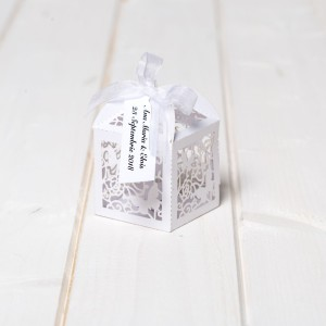 Marturii nunta cutiute laser cut cu fluturas alb
