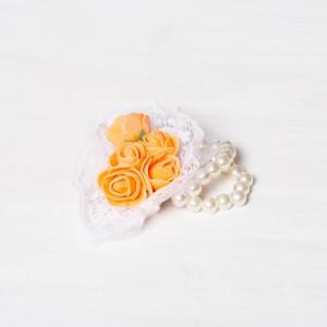 Corsaj margele buchet trandafiri portocalii si dantela