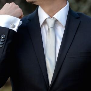 Set gri cravata slim si butoni
