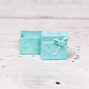 Cutiuta cadou bleu pentru cercei