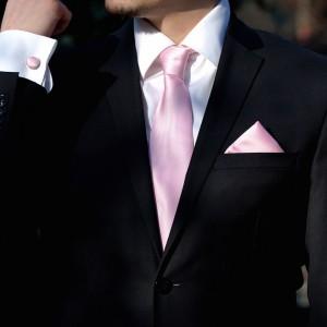 Set roz cravata, batista si butoni camasa